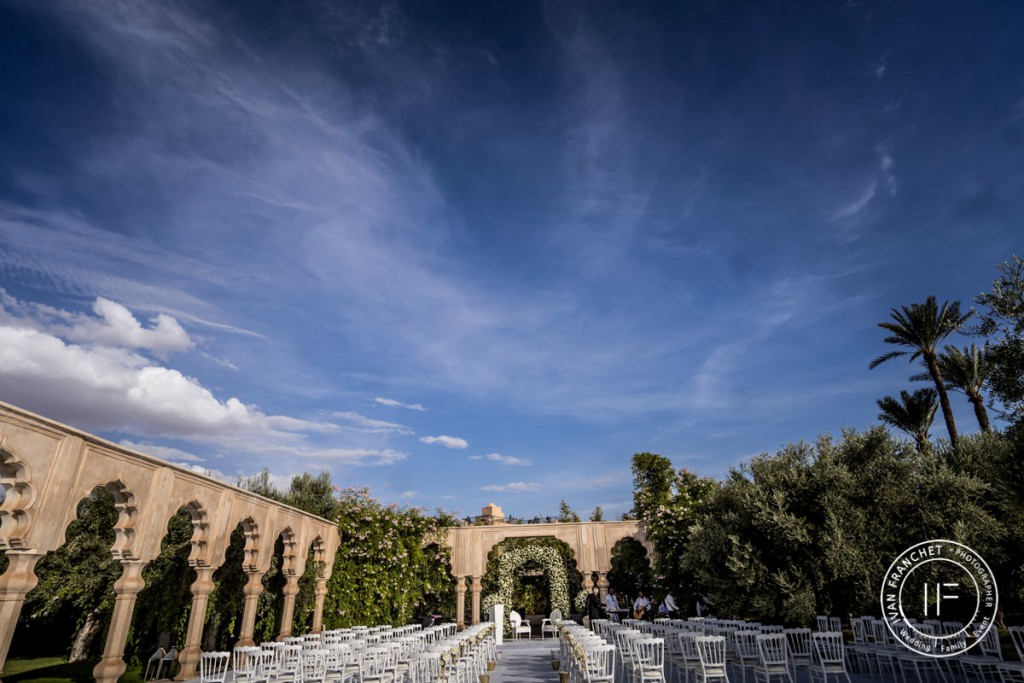 Une cérémonie de mariage forcement sous le ciel bleu de Marrakech