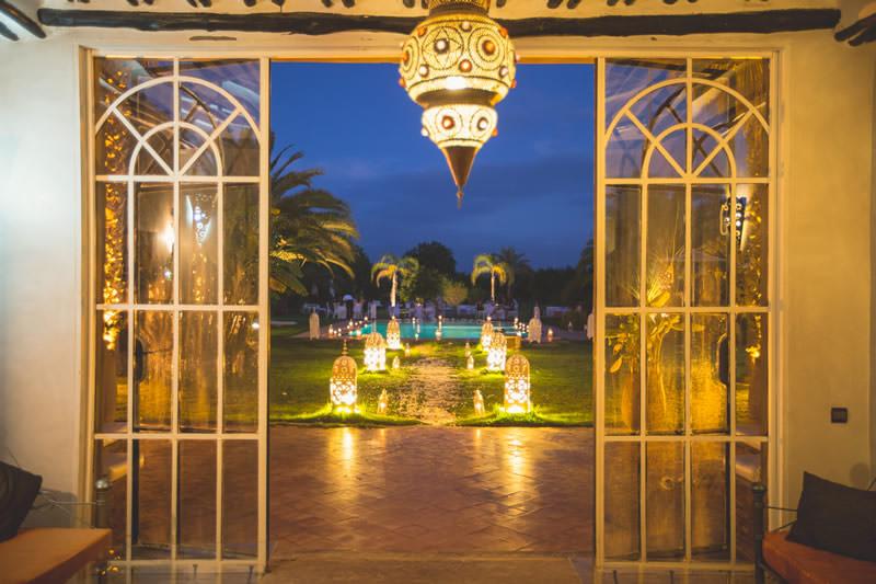 Ambiance mille et une nuits bougies pour la soirée de mariage
